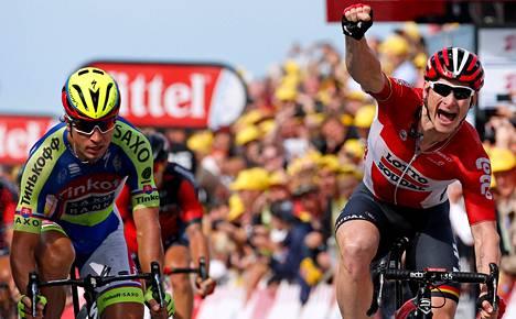 André Greipel (oik.) voitti Ranskan ympäriajon toisen etapin ennen Peter Sagania.
