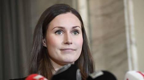 Pääministeri Sanna Marinin hallitus on jopa kaksi kertaa suositumpi kuin Antti Rinteen hallitus joulukuun alussa. Kuva Marinista eduskunnasta tiistaina 10. joulukuuta, kun hänet oli valittu pääministeriksi.