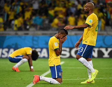 Saksalaiset juhlivat kaikkien aikojen voittoaan Brasiliasta