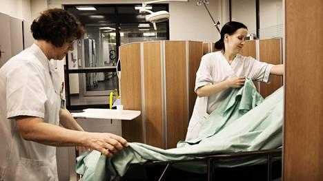 Suomen terveydenhuolto tuottaa huipputuloksia edullisesti, tuore raportti havaitsee.
