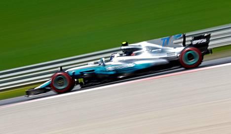 Valtteri Bottas voitti Itävallassa uransa toisen kilpailun formula ykkösissä.