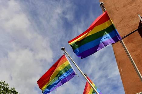 Pride-kulkue kulkee Helsingissä 1. heinäkuuta.