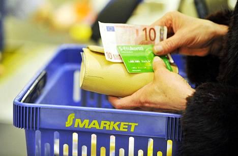 S-etukorttia käyttävä asiakas voi halutessaan kieltää kuitin loppusummaa tarkempien ostotietojen käyttämisen markkinoinnin ja viestinnän tarkoituksiin.