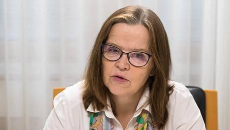 """Sisäministeriön kansliapäällikkö  Päivi Nerg kutsuu ääri-islamistien, syrjäytyneiden suomalaisten ja  järjestäytyneen rikollisuuden kasvua """"ristiinkytkennäksi"""", jota viranomaiset seuraavat tiiviisti."""