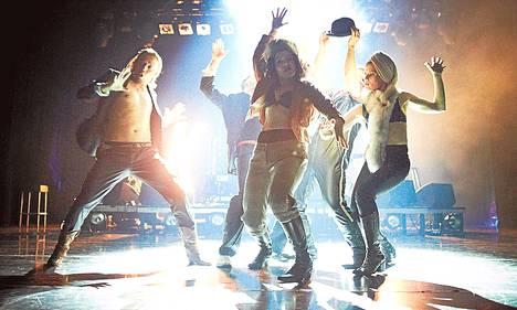 Tanssiteatteri Tsuumin Kake – Tiellä tähtiin eläytyy 1980-luvun maailmoihin.