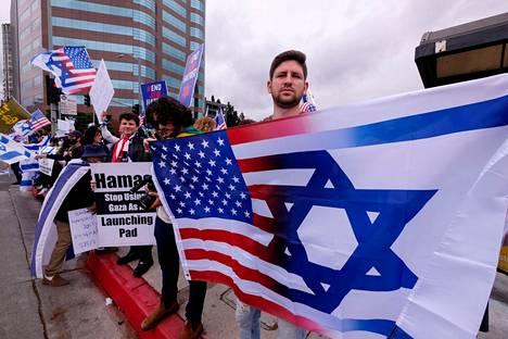 Kalifornian Los Angelesissa osoitettiin mieltä Israelin puolesta sunnuntaina.
