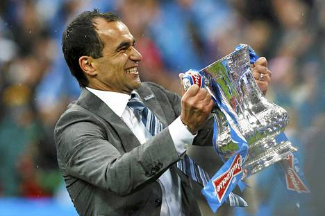 Roberto Martinez pääsi Wiganin managerina nostelemaan Englannin cupin pokaalia tänä keväänä.