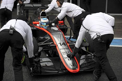 Fernando Alonson testit päättyivät moottoriongelmiin.