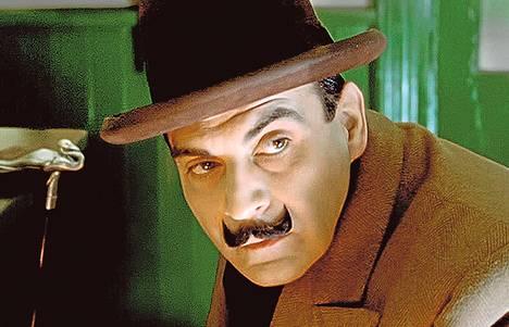 Joulunaika ei ole Poirot'n makuun, mutta onneksi murhamysteeri pelastaa mestarietsivän pyhät. Jakso on Areenassa vielä tänään.
