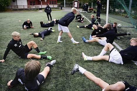 Käpylän Pallon juniorityö kantaa hedelmää. Kuvassa seuran B17-pojat.