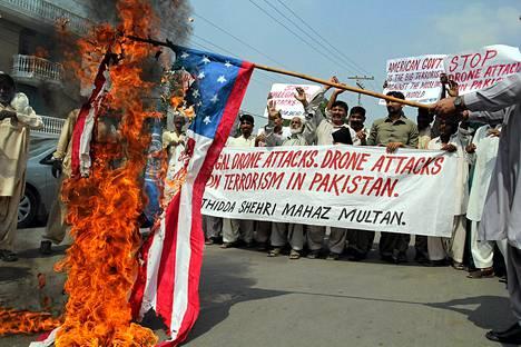Multan kaupungissa Pakistanissa protestoitiin syyskuun lopulla USA:n lennokki-iskuja vastaan.