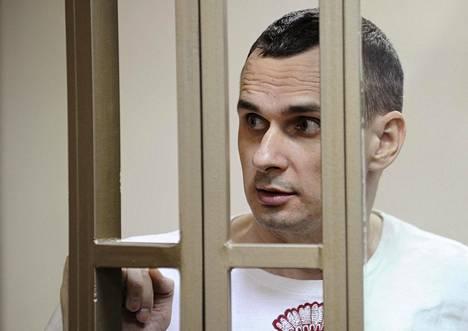 Ukrainalainen elokuvantekijä Oleg Sentsov odotti oikeudenkäyntinsä alkua Rostov-na-Donussa Venäjällä elokuussa 2015.