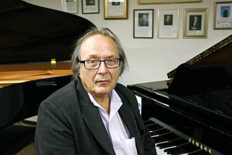 Pekka Airaksinen muistetaan 1960-luvun Sperm-yhtyeestä.