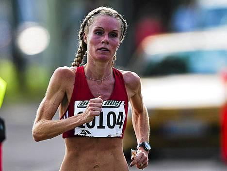 Leena Puotiniemi tuli maaliin yli kaksi minuuttia ennen toiseksi tullutta Lauri Friaria. Kuva on viime vuodelta.