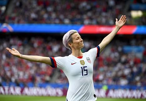 Yhdysvaltojen maailmanmestarijoukkueen hyökkääjä Megan Rapinoe nousi vuoden 2019 MM-kisojen aikana globaaliksi urheilutähdeksi.
