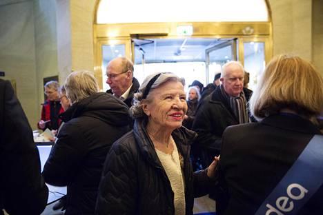 Osakkeenomistaja Monika Lundqvist osallistui Nordean yhtiökokoukseen Tukholmassa torstaina. Lundqvist oli töissä Nordeassa ja sen edeltäjissä 36 vuotta.