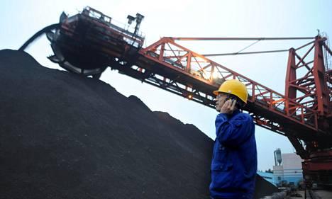 Kiinassa on yli 3000 hiilivoimalaa, yksi niistä on Yangzhoussa itäisessä Kiinassa.