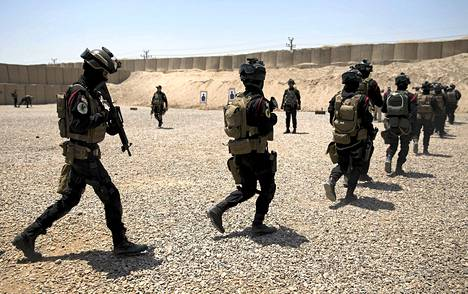 Yhdysvaltain puolustusministeri Ash Carter vieraili seuraamassa Irakissa seuraamassa maan terrorisminvastaisten joukkojen koulutusta. Isisin vastaista taistelua käydään Syyrian lisäksi myös Irakin alueella.