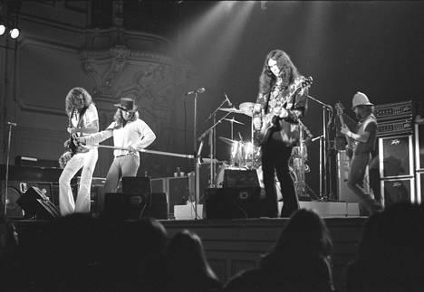 Lynyrd Skynyrd esiintyi Hampurissa vuonna 1974.