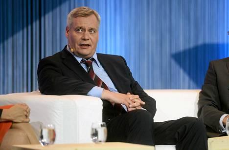 Eduskuntapuolueiden puheenjohtajat olivat mukana Suomen Pankkiyhdistyksen satavuotispäivän EU-vaalitentissä Helsingissä tiistaina. Kuvassa vaalipaneelissa SDP:n puheenjohtaja Antti Rinne.