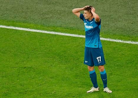 Andrei Mostovoi edustaa seuratasolla Zenitiä.