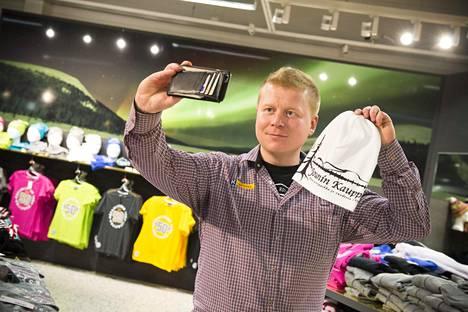 Useista tosi-tv-ohjelmista tuttu Kaulanen ja hänen omistamansa Jounin kauppa Äkäslompolossa tunnetaan sosiaalisen median arvonnoista ja markkinointikampanjoista.