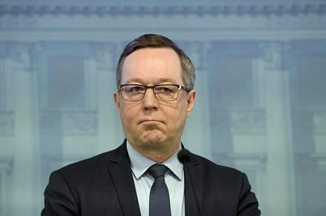 Elinkeinoministeri Mika Lintilä (kesk) puhui hallituksen tiedotustilaisuudessa torstaina.