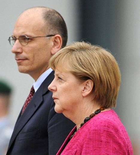Saksan liittokansleri Angela Merkel otti Italian uuden pääministerin Enrico Lettan vastaan Berliinissä tiistaina.