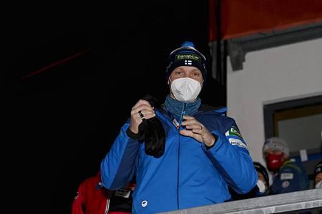 Petter Kukkonen kritisoi Ylen haastattelussa Kansainvälisen hiihtoliiton (FIS) toimintaa.