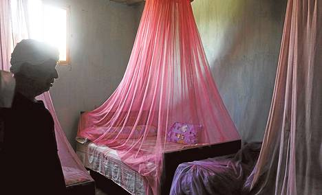 Karkotusaineilla käsiteltyjä hyttysverkkoja on jaettu Afrikassa viidentoista vuoden aikana noin miljardi.