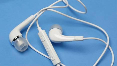 Kuulokkeet ovat monelle matkapuhelimen tärkein lisävaruste.