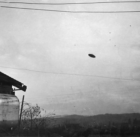 Oregonilainen maanviljelijä Paul Trent väitti kuvanneensa ufon kesäkuussa 1950.