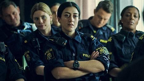 Ohuella langalla -poliisisarjan henkilöt ovat uskottavasti keskeneräisiä.