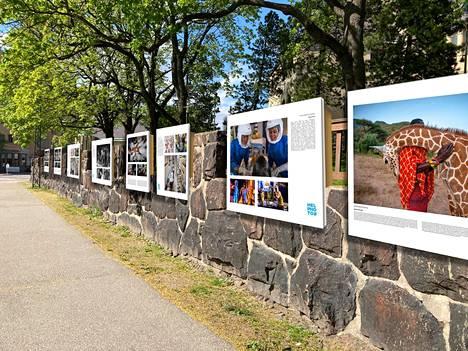 Valokuvafestivaalin teoksia Kansallismuseon muureissa.