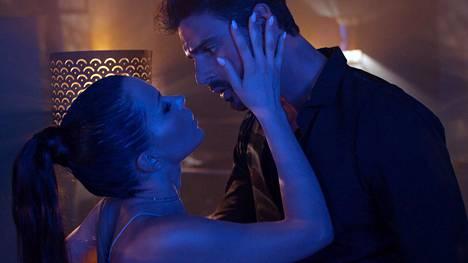 365 Days -elokuvassa pääosia näyttelevät Anna-Maria Sieklucka ja Michele Morrone.