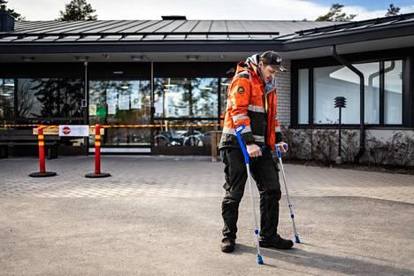Mäntyharjulainen Matias Lahtinen pelkää paikallisten terveyspalvelujen ylikuormittuvan.