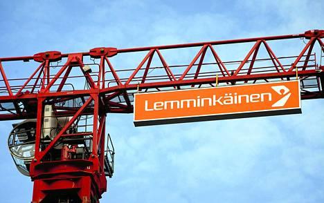 Lemminkäisen kurssi nousi sen jälkeen, kun hallitusneuvottelijat olivat sunnuntaina sopineet tulevien miljardileikkausten vastapainoksi 1,6 miljardin euron satsauksesta Suomen strategisiin hankkeisiin.