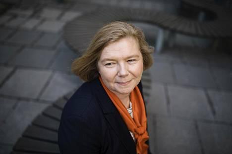 Tampereen uuden monialaisen yliopiston rehtori Mari Walls aloittaa tehtävässään elokuussa.