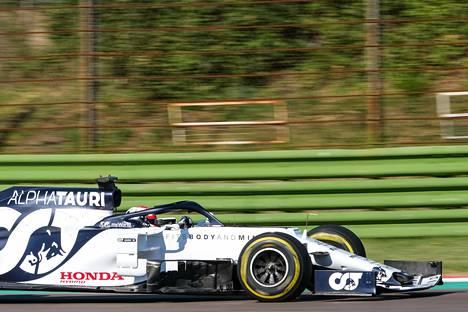 Viime viikonloppuna Monzassa voittanut AlphaTaurin Pierre Gasly testasi autoaan kesäkuun lopussa Imolassa.