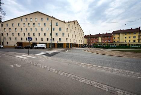 Pohjolanaukion ympäristöön piti suunnitella talo, jolla on identiteetti, sanoo kohteen pääsuunnittelija Selina Anttinen.