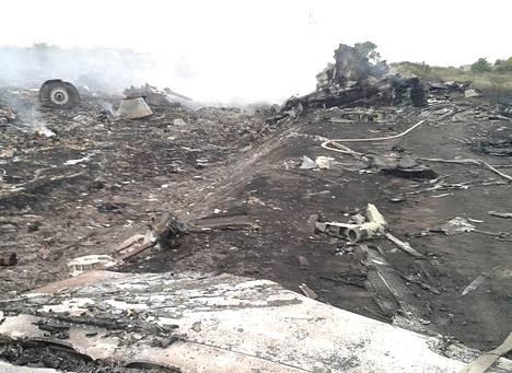 Malaysia Airlinesin koneen putoamispaikka Grabovon asutusalueella Donetskissa.