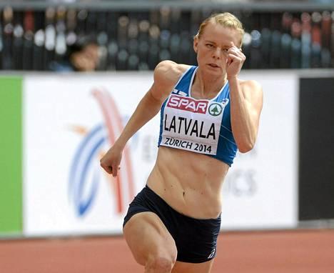 Hanna-Maari Latvala eteni vakuuttavasti 200 metrin välieriin.