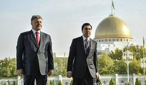 Ukrainan presidentti Petro Porošenko tapasi Turkmenistanin presidentin Kurbanguly Berdymuhamedovin torstaina Ašgabatissa. Presidentit keskustelivat kaasusta, sillä Ukraina yrittää löytää muita toimittajia Venäjän tilalle.