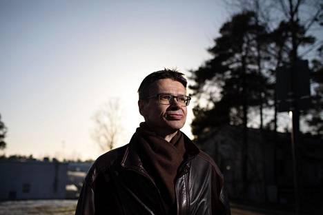 Korkeimman hallinto-oikeuden presidentti Kari Kuusiniemi muistuttaa, että tuomarikuntaa voisi hivuttaa haluttuun suuntaan muuttamalla vaikka ylimpien oikeusasteiden tuomareiden määrää tai heidän eläkeikäänsä.
