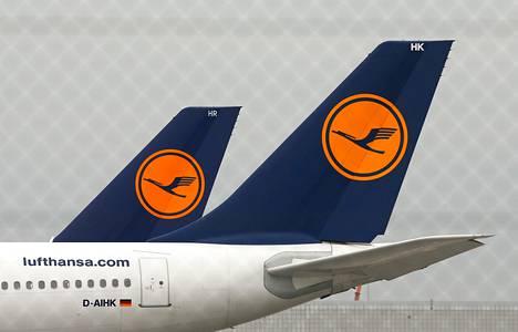 Saksasta Puolaan lentänyt Lufthansan kone joutui vaaratilanteeseen ollessaan laskeutumassa Varsovan lentokentälle maanantaina.
