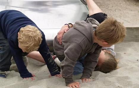 Mitä pienemmästä lapsesta on kyse, sitä enemmän kiusaamisessa on kyse itsesäätelytaitojen puutteesta.