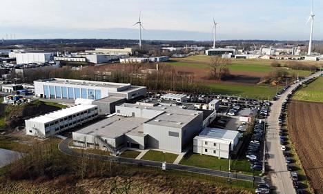 Seneffen tehdas Belgiassa tuottaa Astra Zenecan rokotteisiin tarvittavia viruskuljettimia.