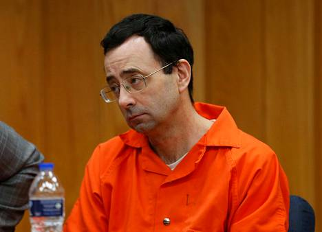 1Larry Nassar tuomittiin 40–75 vuoden vankeuteen tammikuun lopussa.
