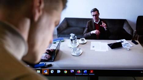 Koronaviruksen vuoksi Neste on kieltänyt ulkopuolisten vierailut pääkonttorilla. Myös toimitusjohtaja Peter Vanackerin haastattelut hoidetaan etäyhteyksillä.