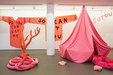 Corinna Helenelund rakentanut Sinneen pinkin sisälmysmetsän.